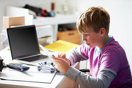 Виртуальная зависимость у ребенка. Как бороться?